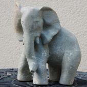 104. olifant, serpentijn, 25 cm hoogt