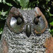 111. uil, serpentijn, 34 cm hoog