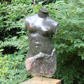 122. torso, serpentijn, 49 cm hoog, op voet